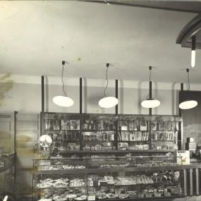 bar-1963